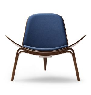 CH07 Shell Chair Oiled Walnut & Remix Fabric