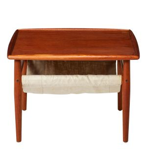 Vintage Coffee Table with Shelf
