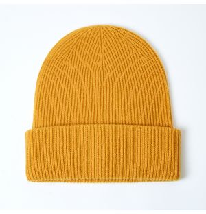 Exclusive Ribbed Cashmere Beanie in Amber