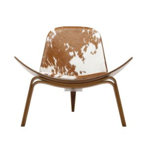 CH07 Shell Lounge Chair Oiled Walnut & Cowhide